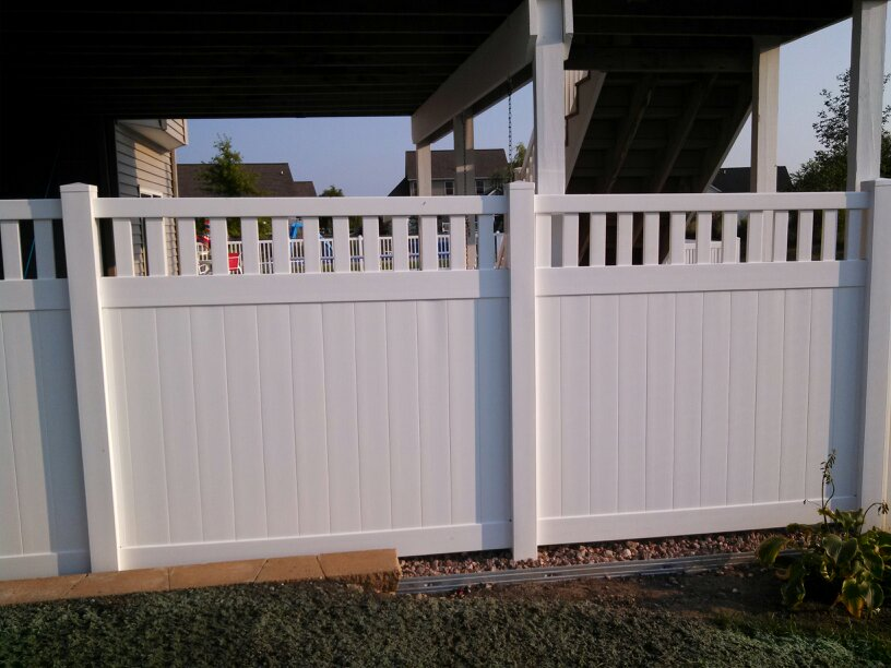 polyvinyl privacy fence