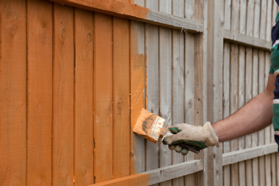 Before Painting Your Fence Straight Line Fence