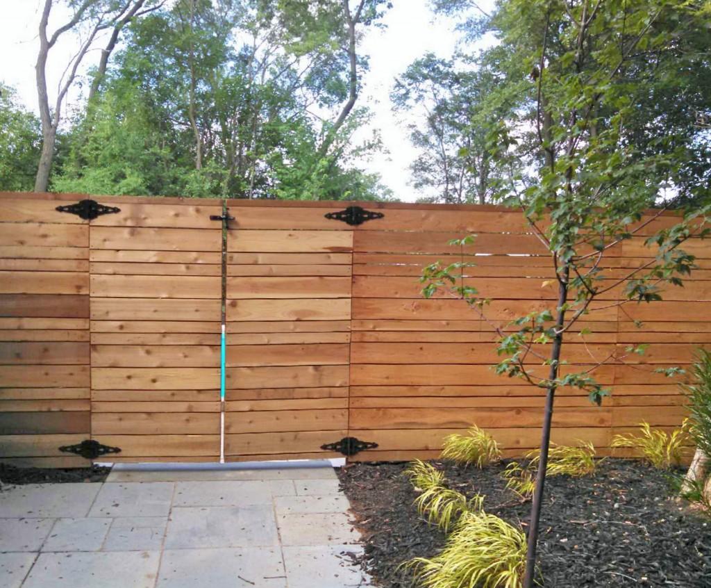 Modern horizontal cedar fence straight line fence for Privacy fences