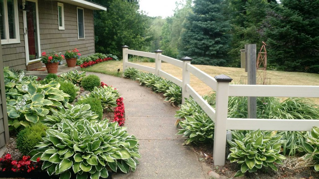 5 Questions To Ask When Choosing A Custom Fence Contractor